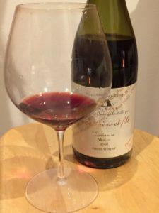 ordinairemerlotワインとグラス